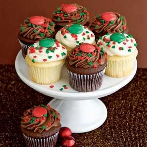 GrandeFinaleFrostedHolidayCupcakes