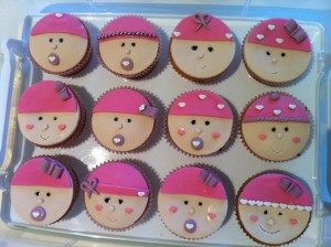 baby-shower-cupcakes-girl 1
