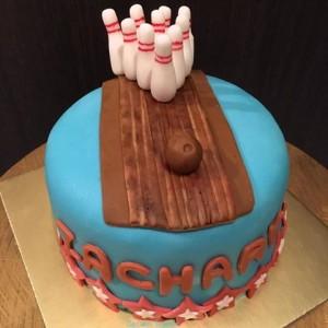 bowling cake 4