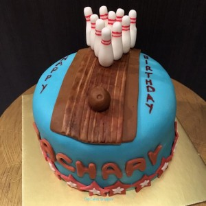 bowling cake 5