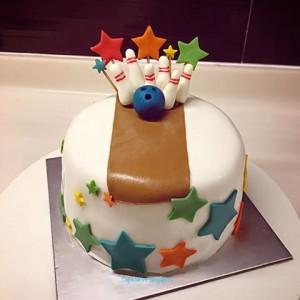 bowling cake 7