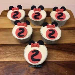 minnie-bow-cupcake