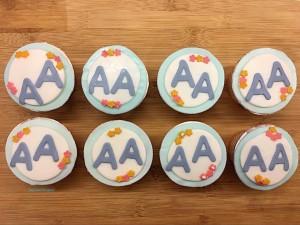 wonderland cupcakes 11