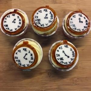 wonderland cupcakes 12